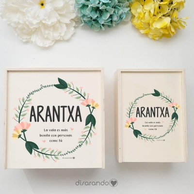 "Caja Madera Personalizable ""Corona Amarilla"" (dos tamaños)"
