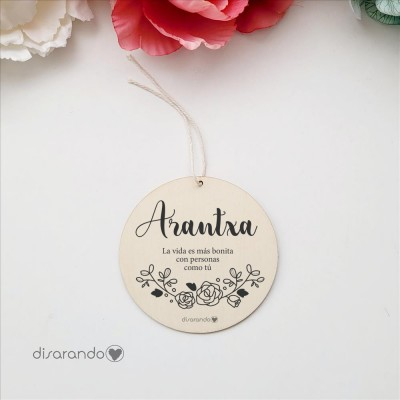 Etiqueta Madera Personalizable (Flores Black)