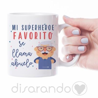 "Taza ""Mi superhéroe favorito se llama Abuelo"""