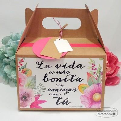"""Caja """"La vida es más bonita con amigas como tú"""""""