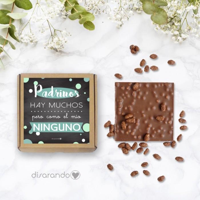 """Tableta de chocolate con mensaje: """"Padrinos hay muchos, como el mío ninguno""""."""